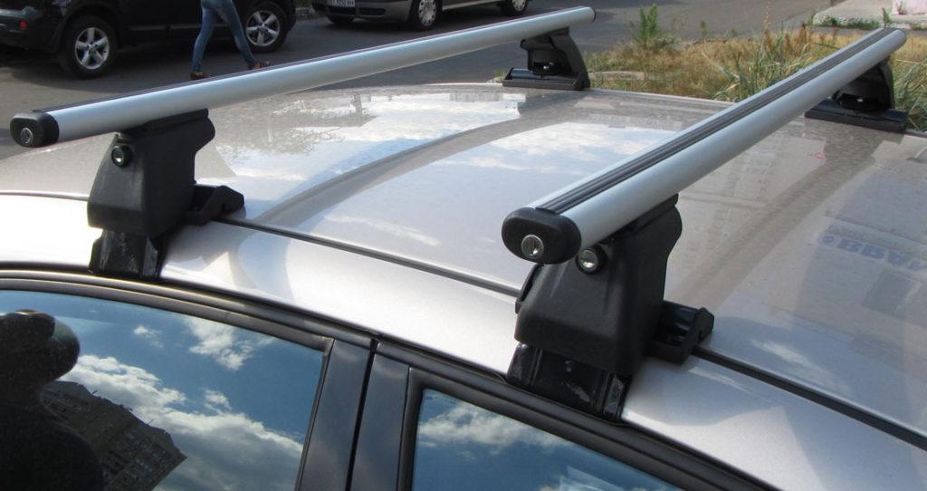 Багажник на гладкую крышу